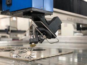 آلة قطع اتيرجيت 3D مع سعر 5 قطع المياه النفاثة باستخدام الحاسب الآلي للبيع