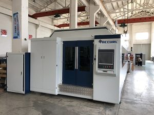 طاقة كبيرة 1000W ~ 4000W الألياف آلة القطع بالليزر لقطع الصفائح المعدنية على نحو سلس